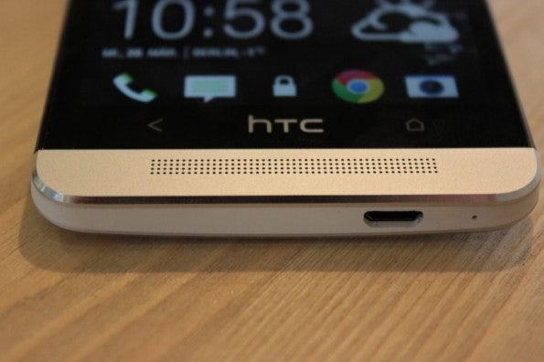 http://t3n.de/news/wp-content/uploads/2013/03/HTC-one-test-IMG_6531-595x396.jpg