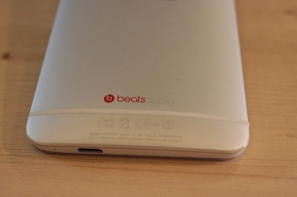 http://t3n.de/news/wp-content/uploads/2013/03/HTC-one-test-IMG_6561-595x396.jpg