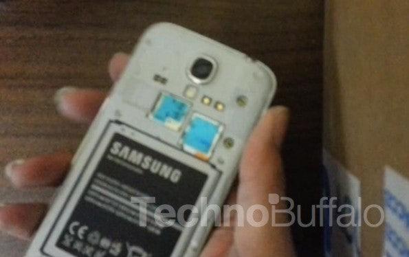 http://t3n.de/news/wp-content/uploads/2013/04/Samsung-Galaxy-S4-Teardown-Close-up-001-595x374.jpg