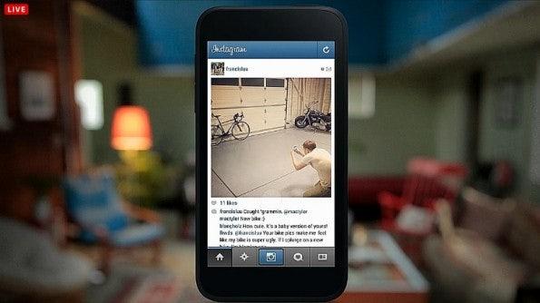 http://t3n.de/news/wp-content/uploads/2013/04/facebook-home-stream-12-595x334.jpg