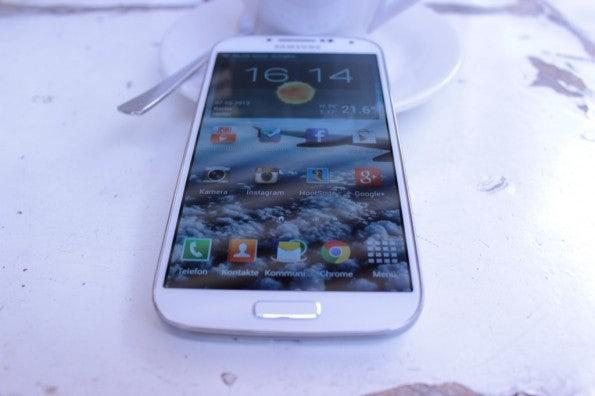 http://t3n.de/news/wp-content/uploads/2013/05/Samsung-Galaxy-s4-Test_6854-595x396.jpg