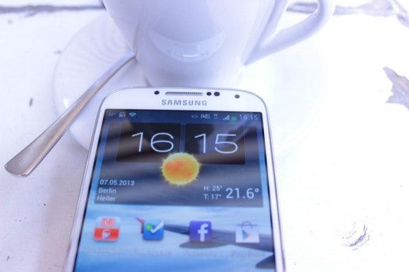 http://t3n.de/news/wp-content/uploads/2013/05/Samsung-Galaxy-s4-Test_6855-595x396.jpg