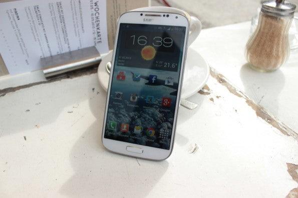 http://t3n.de/news/wp-content/uploads/2013/05/Samsung-Galaxy-s4-Test_6920-595x396.jpg