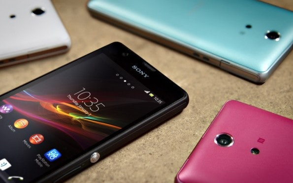http://t3n.de/news/wp-content/uploads/2013/05/Sony-_Xperia_ZR_Colour_Range-595x371.jpg