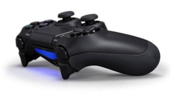 Der DualShock 4 für die PlayStation 4 kann auf ganzer Linie überzeugen. (Bild: Sony).