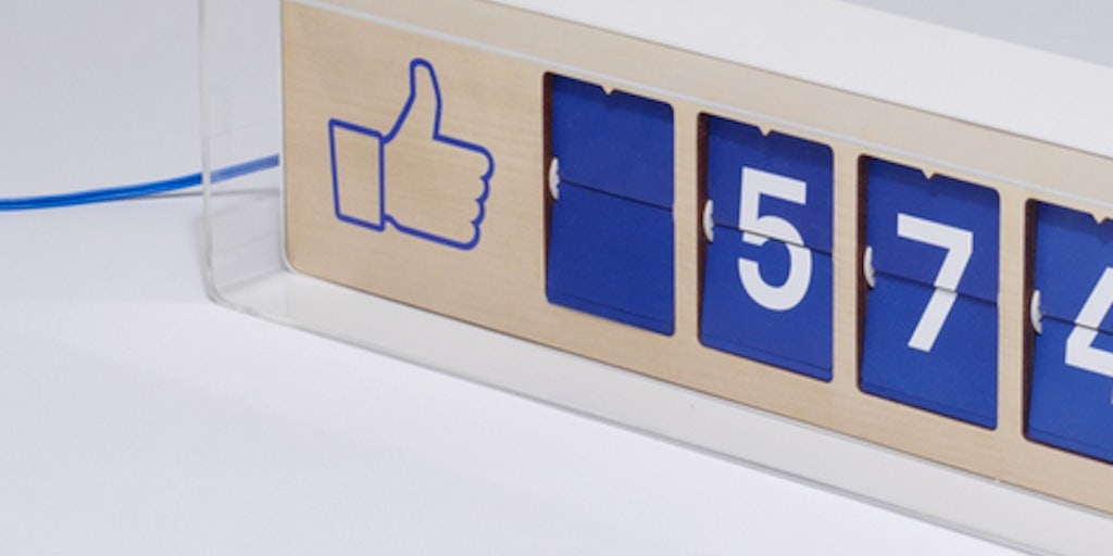 creative designer device smiirl counts of facebook fans in real ...