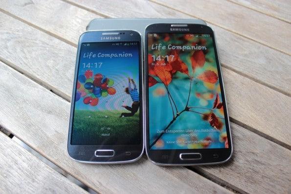 http://t3n.de/news/wp-content/uploads/2013/07/samsung-Galaxy-S4-mini-vs-samsung-galaxy-s4-6962-595x396.jpg
