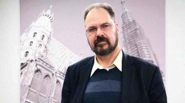 """Steve Wright zur NSA-Spähaffäre: """"85 Prozent des Datenverkehrs laufen durch vier Gebäude in den USA"""" [Interview]"""