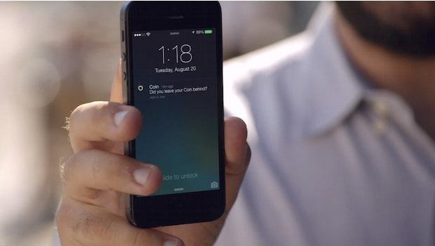 Coin ist via Bluetooth-LE mit dem Smartphone verbunden und sendet eine Notification, wenn die Karte sich zu weit vom Smartphone entfernt. (Screenshot: onlycoin.com)