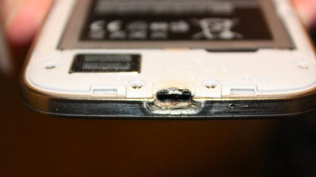 Galaxy S4: Bericht über brennendes Smartphone wird zum PR-Debakel