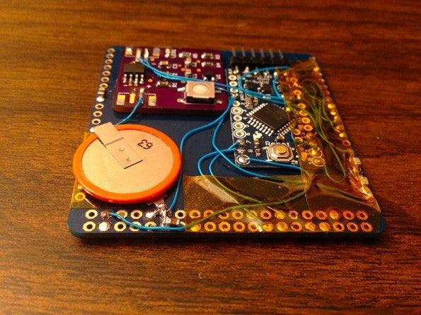 http://t3n.de/news/wp-content/uploads/2014/03/arduoboy_visitenkarte_tetris_arduino_6-595x446.jpg