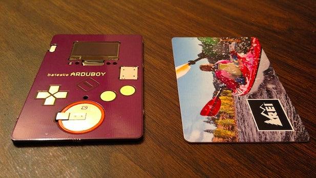 Arduboy: Auf dieser Arduino-Visitenkarte könnt ihr Tetris spielen