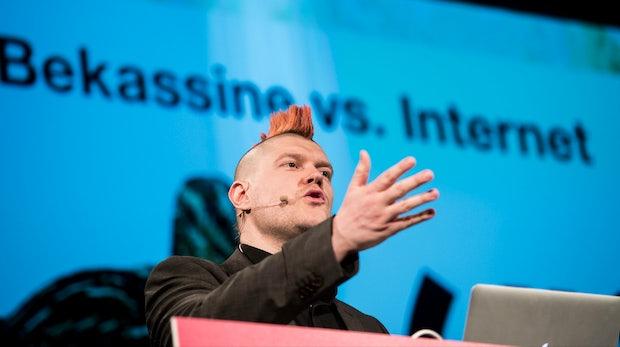 Sascha Lobo: Die Standpauke, die die Netzgemeinde ins Mark trifft [#rp14]