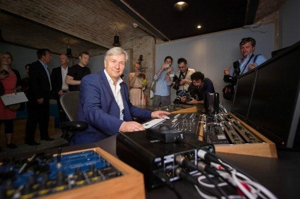 http://t3n.de/news/wp-content/uploads/2014/06/SoundCloud_Berlin_HQ_Factory_Wowereit-595x396.jpg