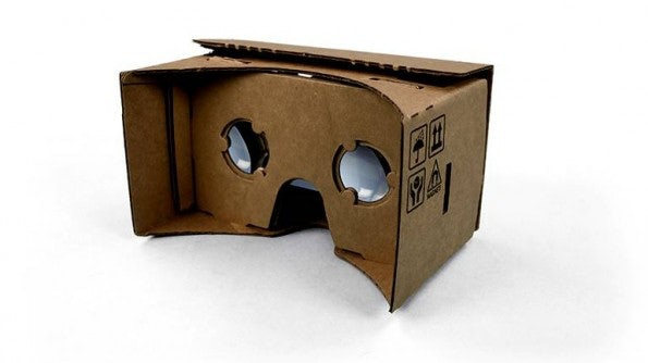 Google Cardboard ist nichts weiter als eine einfache Pappbrille, erlaubt aber einen ersten Blick in die Möglichkeiten und die Faszination von Virtual Reality (Bild: Google)