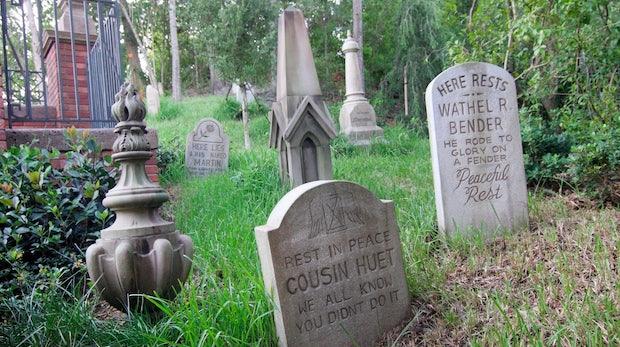 Tod und Social Media: Das machen Facebook, Twitter und Co. nach unserem Ableben