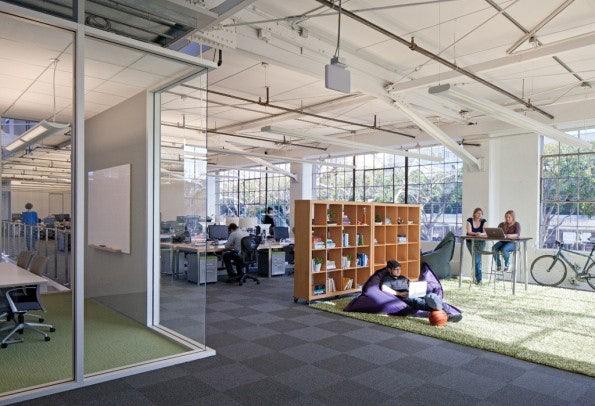 Arbeit am Schreibtisch muss nicht sein. (Bild: Atlassian)