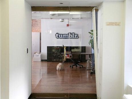 Verzweiflungstat? Yahoo will Tumblr von Facebook vermarkten lassen
