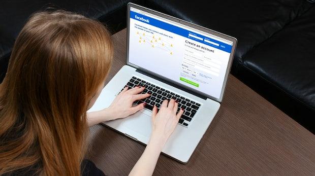 Digitales Testament: Facebook erlaubt Freunden die Profil-Pflege von Toten