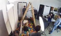 5 Stunden Bällebad: So ensteht ein Cover für das t3n Magazin [Video]