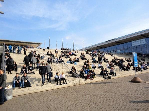 Wie die Studenten... Mittagspause auf der CeBIT. (Foto: t3n)