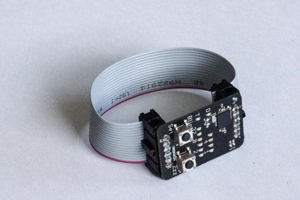 http://t3n.de/news/wp-content/uploads/2015/03/binary-watch_smartwatch_2-595x397.jpg