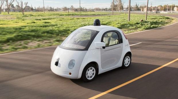 """Zu vorbildlich: Googles Roboter-Autos sollen """"menschlicher"""" fahren"""