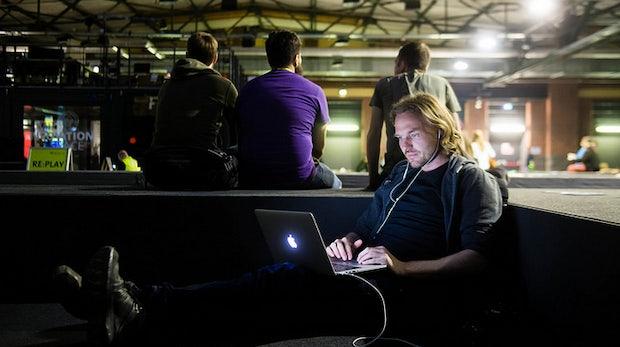 Die kaputte politische Debatte – Warum das Internet Teil des Problems ist und zugleich die Lösung [#rp15]