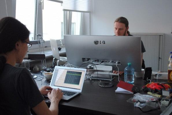 Im Büro in Düsseldorf arbeitet nur ein Teil der Uberspace-Mitarbeiter. Sie sind über die ganze Republik verstreut. (Foto: Caspar Tobias Schlenk)