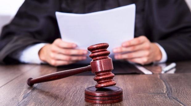 Was tun bei Abmahnungen? Anwalt, Notar oder Richter?