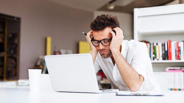 Schlafmangel: Wie müde Mitarbeiter eurer Firma schaden