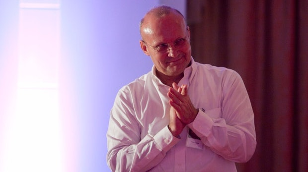 """""""Die dunkle Seite organisiert sich"""" – Bitdefender-CEO Florin Talpes über Hacker, Viren und das Internet of Things  [DLD16]"""
