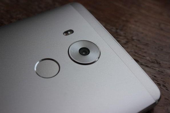 Die Kamera des Mate 8 ist noch nicht ganz  in der Oberklasse angekommen, man spürt aber, dass Huawei auf dem richtigen Weg ist. (Foto: t3n)