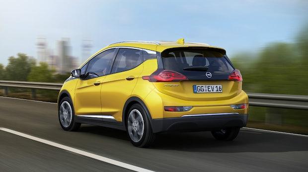 Elektroautos: Erst in 13 Jahren billiger als Benziner