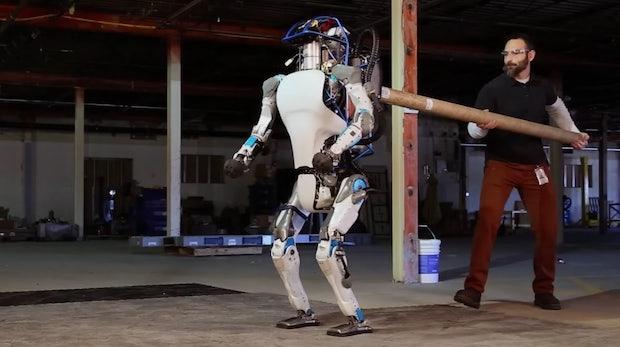 Atlas: Googles humanoider Roboter kann jetzt alleine laufen und aufstehen