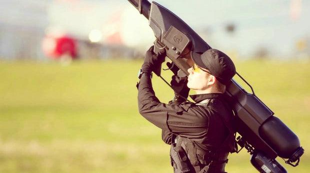 """""""SkyWall 100"""": Diese Kanone schießt Drohnen vom Himmel"""