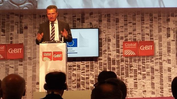 """Günther Oettinger auf der CeBIT: """"Wir befinden uns mitten in einer Aufholjagd"""""""