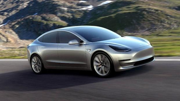 Tesla: Musk nennt Zeitrahmen für finales Model-3-Design –eigener Truck im September