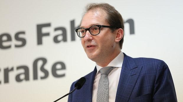 Verkehrsminister Dobrindt plant digitale Fahrkarten für alle Städte