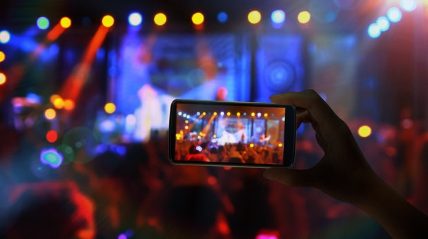 Facebook will Videos monetarisieren – mit Werbeunterbrechungen