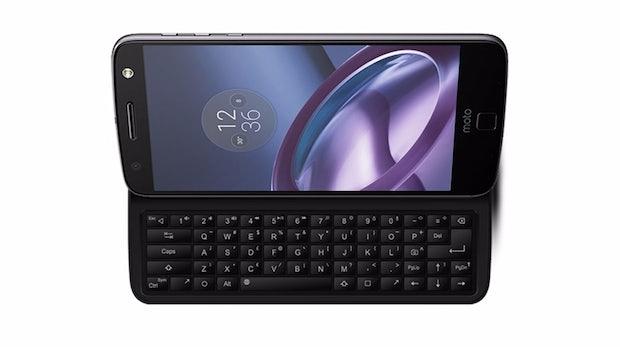 Revival:  Slide-out-Tastatur macht aus dem Moto Z beinahe ein Motorola Milestone