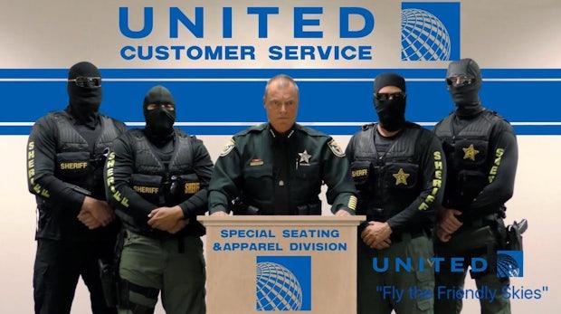 Reaktionen auf United Airlines: Memes und schwarzer Humor
