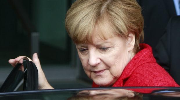 Merkel über Roboter-Autos: Selbstfahren 2037 nur noch mit Sondererlaubnis?