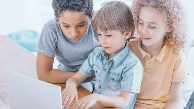 Bei diesen 13 Kursen können deine Kinder das Programmieren lernen